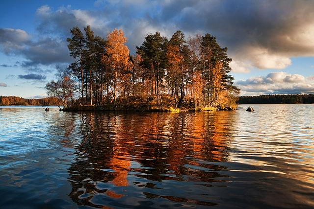 640px-Lake_Vuoksa_1
